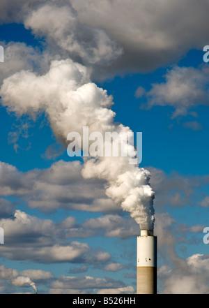 Fabrik Schornstein - Stockfoto