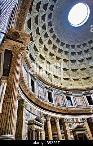 Im Inneren der Pantheon, Rom, Italien, Europa - Stockfoto
