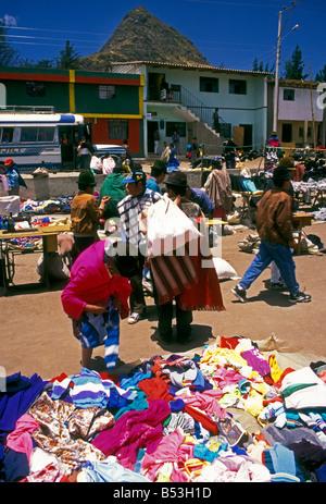 Ecuadorans, ecuadorianischen, Lieferant, Hersteller, Verkauf, neue Kleidung, Kleidung, Kleidung, indischen Markt, - Stockfoto