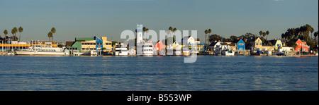 Marina del Rey CA Hauptkanal Fischer Dorf größten vom Menschen verursachten kleinen Bootshafen in den USA mit 19 - Stockfoto