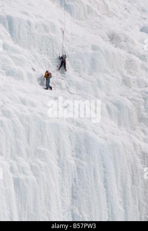 Weeping Wall, Banff National Park, UNESCO-Weltkulturerbe, Rocky Mountains, Alberta, Kanada, Nordamerika - Stockfoto