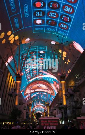 Fremont Street Licht und Ton zeigen Erfahrungen, Fremont Street, der ältere Teil des Las Vegas in der Nacht, Las - Stockfoto