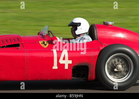 1955 Ferrari 750 Monza Rennen beim Goodwood Revival - Stockfoto