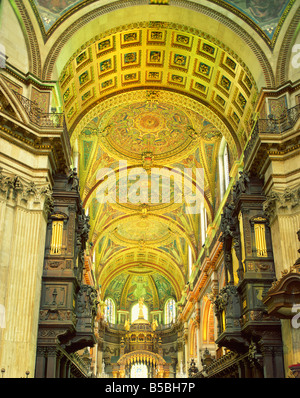 Innere des St Paul s Cathedral London England England Europa - Stockfoto