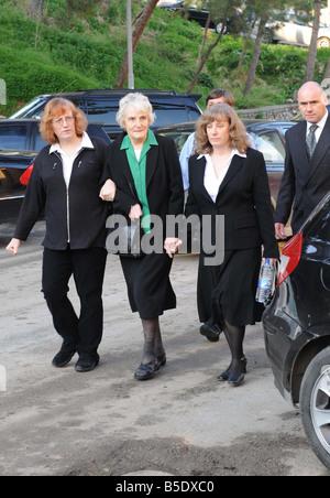 Josephine Hogan Mutter von John Hogan Ankunft im Gefängnis, wo ihr Sohn zum seinem Mordprozess John Hogan, vom Balkon - Stockfoto