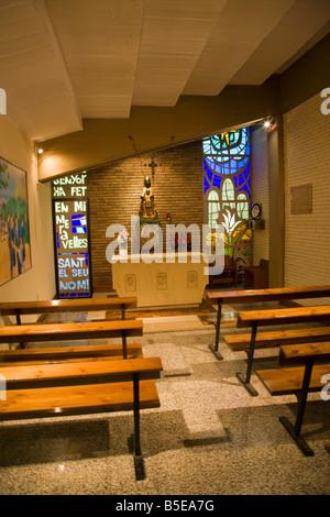Kapelle neben dem Tunnel führt zu dem Platz im Camp Nou Stadion Barcelona Spanien - Stockfoto