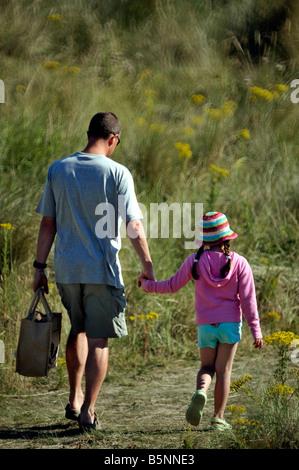 Weg mit kleinen Tochter Vater - Stockfoto