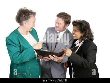 Weiblichen Kollegen auf ihren männlichen Kollegen isoliert auf weiß - Stockfoto