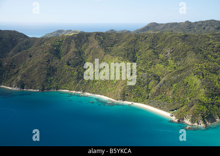 Uarau Point Wainui Bay Abel Tasman Nationalpark Nelson Region Südinsel Neuseeland Antenne - Stockfoto