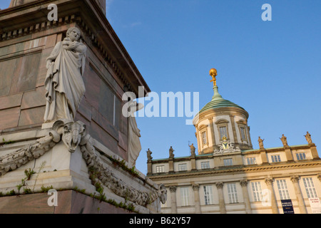 Obelisk und Altes Rathaus, Potsdam, Deutschland - Stockfoto