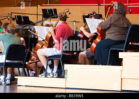 Klassisches Konzert in einer Aula, Millennium Park, Chicago, Illinois, USA - Stockfoto