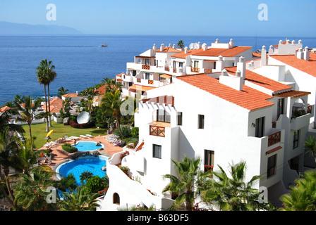 Ferienwohnungen direkt am Meer, Puerto de Santiago, Teneriffa, Kanarische Inseln, Spanien - Stockfoto