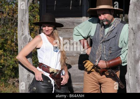 Ein Cowboy und Cowgirl paar in den alten Bundesländern - Stockfoto