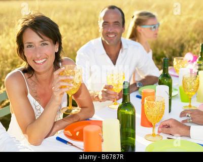 Menschen mit Abendessen, Frau Porträt - Stockfoto