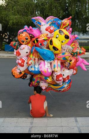 Ballon Hawker in Ho-Chi-Minh-Stadt, Vietnam - Stockfoto