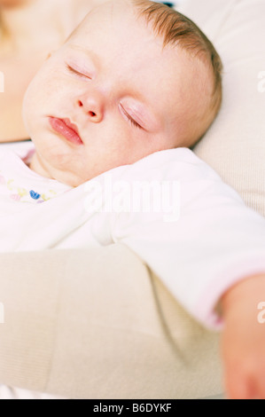 ein nettes m dchen f r f nf monate altes baby mit gro en. Black Bedroom Furniture Sets. Home Design Ideas