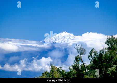 Spanien, Kanarische Inseln, La Gomera Insel, Blick auf Vulkan El Teide auf Teneriffa - Stockfoto