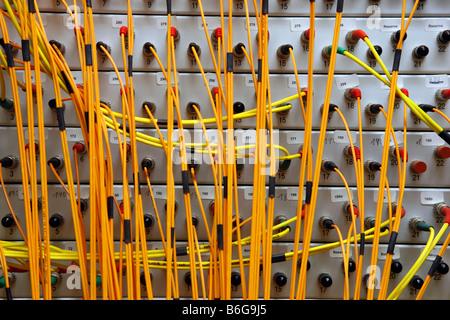 DEU-Deutschland-Kabel von einem Server Rechenzentrum eines Unternehmens - Stockfoto