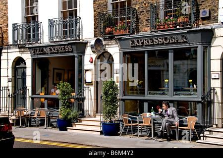London Knightsbridge Beauchamp Place, einer der einzigartigsten und berühmten Straßen der Welt. Cafe restaurant - Stockfoto