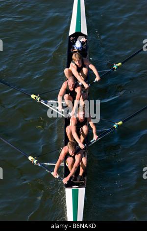 Männlichen Paddler auf dem Tennessee River in Chattanooga, TN - Stockfoto