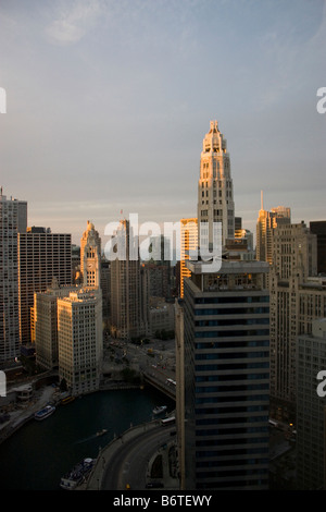 Wrigley building bei Sonnenuntergang - Stockfoto