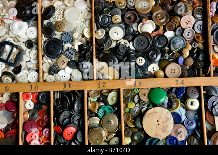 Eine Sammlung von Multi-farbigen Tasten - Stockfoto