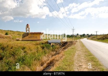 Einer der 2 markante Zeichen im Anflug auf Trinidad Kuba - Stockfoto