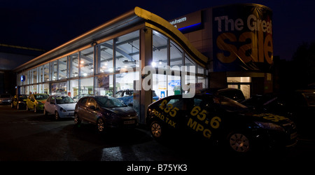 Ford-Showroom - Enfield - London - Stockfoto