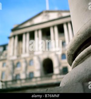 Bank of England und Spalte der königlichen Börsengebäude Threadneedle Street London England UK KATHY DEWITT - Stockfoto