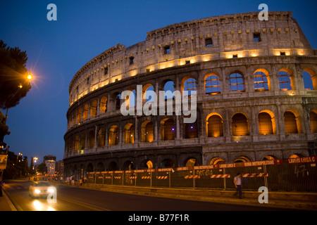 Kolosseum, Amphitheater, bei Nacht, Rom, Italien, Europa - Stockfoto
