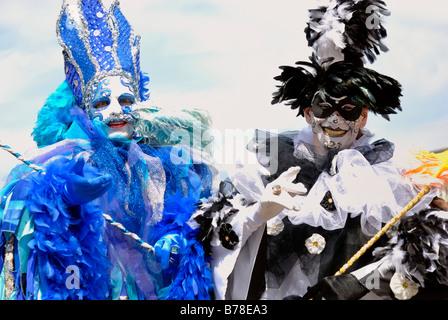 Straßenkünstler gekleidet mit Kostümen und Masken auf der Kieler Woche 2008 Kiel, schleswig-holstein - Stockfoto