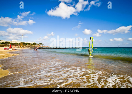Playa Cucharas Costa Teguise Lanzarote Kanarische Inseln Spanien Europa Strand Playa Reise Tourismus - Stockfoto