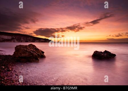 Dramatischen Sonnenuntergang über The Needles, Isle Of Wight - Stockfoto