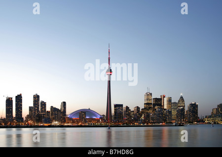 Rogers Centre, CN Tower & Innenstadt, Toronto, Ontario, Kanada - Stockfoto