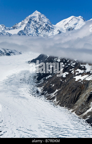 Luftbild von Margerie Gletscher und Mount Fairweather in Alaska Glacier Bay Nationalpark, Alaska - Stockfoto
