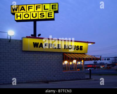 Waffle House Restaurant und Imbiss in der Nähe von Toledo, Ohio. - Stockfoto