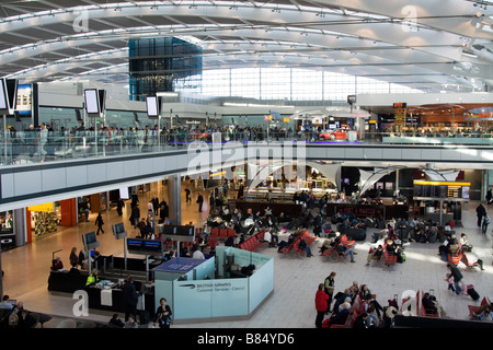 Heathrow Airport Terminal 5 Abfahrt Hall - London - Stockfoto