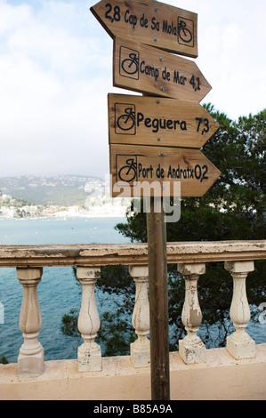Wegweiser für Radwege auf Mallorca - Stockfoto