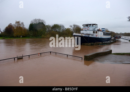 Überschwemmung des Flusses Severn in Upton auf Severn Worcestershire Vereinigtes Königreich - Stockfoto