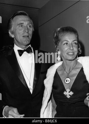 Kirk Douglas mit seiner Frau Anne Buydens - Stockfoto