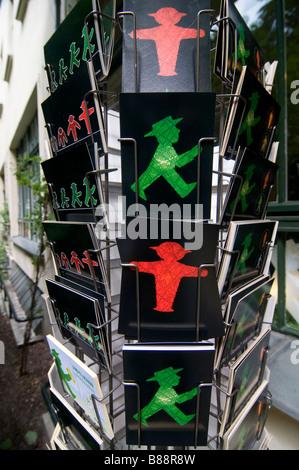 Berliner Ampelmännchen als Postkarten Berlin Deutschland verkaufen - Stockfoto