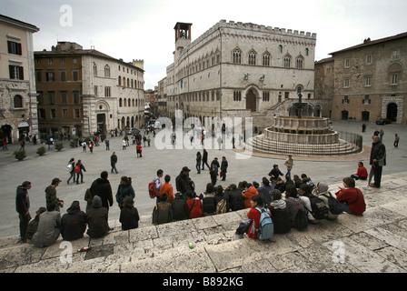 Piazza IV Novembre Platz & Brunnen Fontana Maggiore, Perugia, Umbrien, Italien - Stockfoto