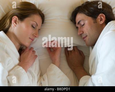 Paar im Bett - Stockfoto
