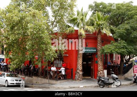 Manhattan-Café-Bar an der Ecke der Dixon Street und Waterkant-Cape Town-Südafrika - Stockfoto
