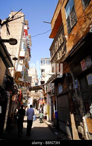 KAIRO, ÄGYPTEN. A Straßenszene im islamischen Kairo in der Nähe von Khan el-Khalili-Basar. - Stockfoto