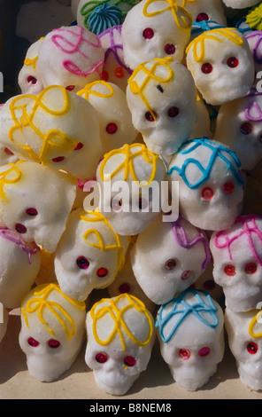 Schädel Süßigkeiten Calavera de Dulce für Tag der Toten - Stockfoto