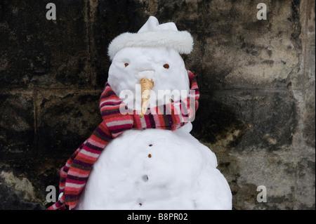 Einen Schneemann mit Schal College in Oxford - Stockfoto