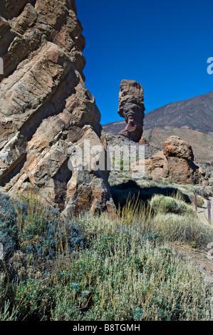 Wilde dramatische Landschaft und Felsformationen der Las Canadas im Teide Nationalpark Teneriffa Kanarische Inseln - Stockfoto