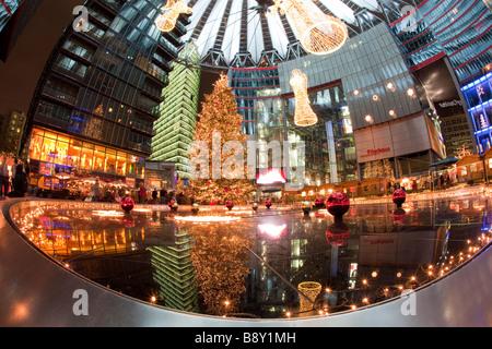 Sony Center am Potsdamer Platz, Berlin Deutschland Weihnachten - Stockfoto