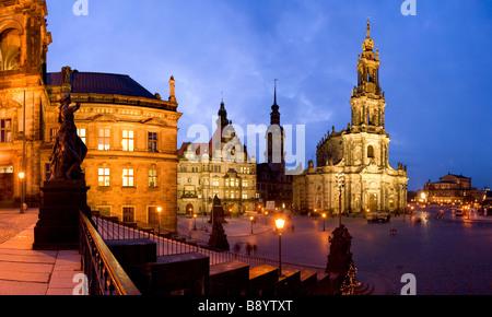 Hofkirche und die Semperoper Opernhaus Dresden Sachsen Deutschland - Stockfoto